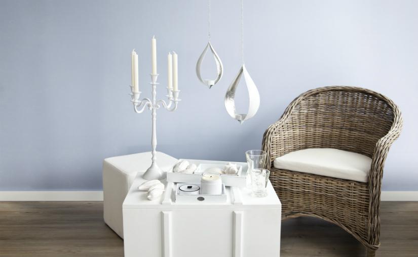 Witte kandelaar klassieke look witte kist stoel romantisch
