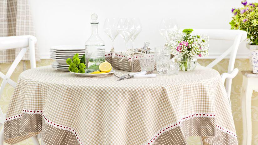 stół w stylu shabby chic