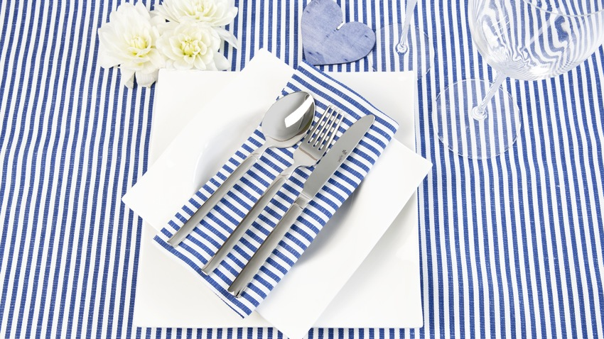 nakrycie stołu w stylu marynistycznym