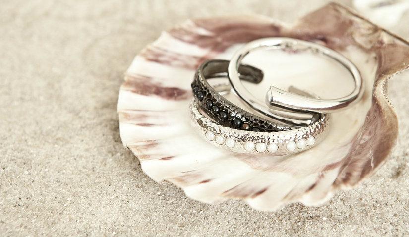 Jak zapakować biżuterię