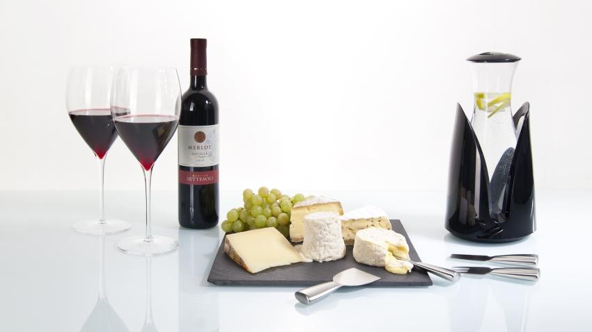 Korkociąg do wina i deska serów