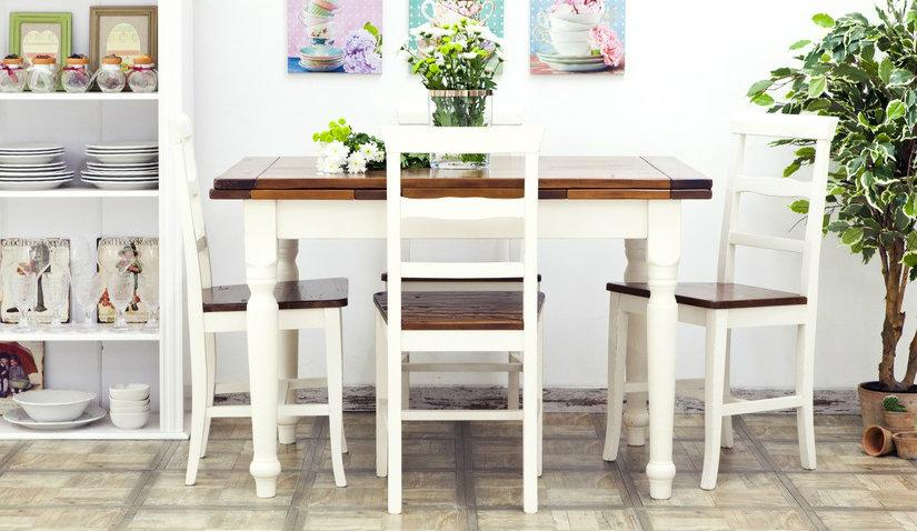 Biały stół kwadratowy do kuchni