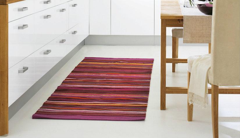 czerwony dywanik do kuchni