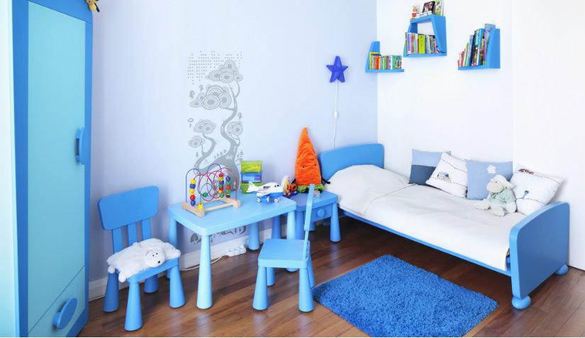 Niebieska aranżacja pokoju dziecięcego