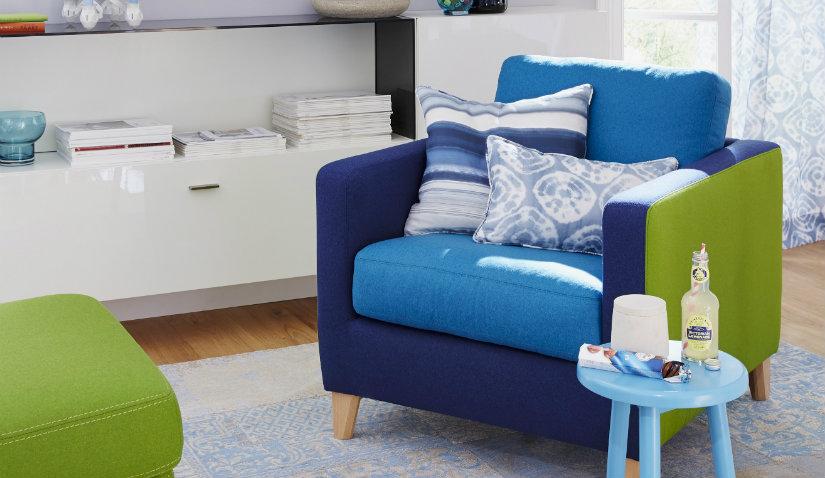 Niebieski fotel retro