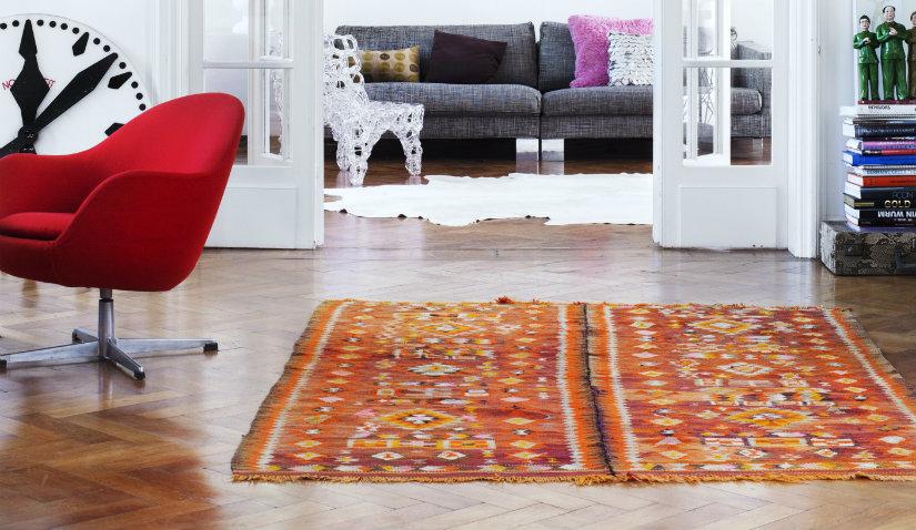 Pomaranczowy dywan prostokątny