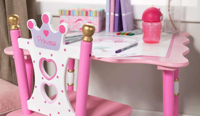 Praktyczny stolik i krzesełko dla dziecka