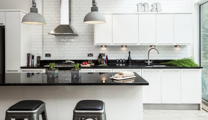 Szafka kuchenna stojąca w stylu industrialnym