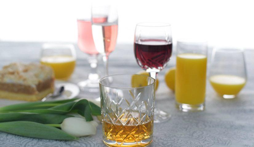 Szklanki do herbaty z rżniętego szkła