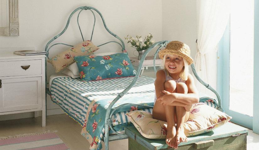 Żeliwne łóżko dla dziewczynki