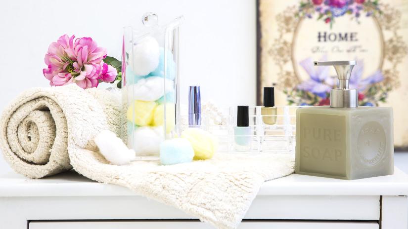 pudełka z kosmetykami