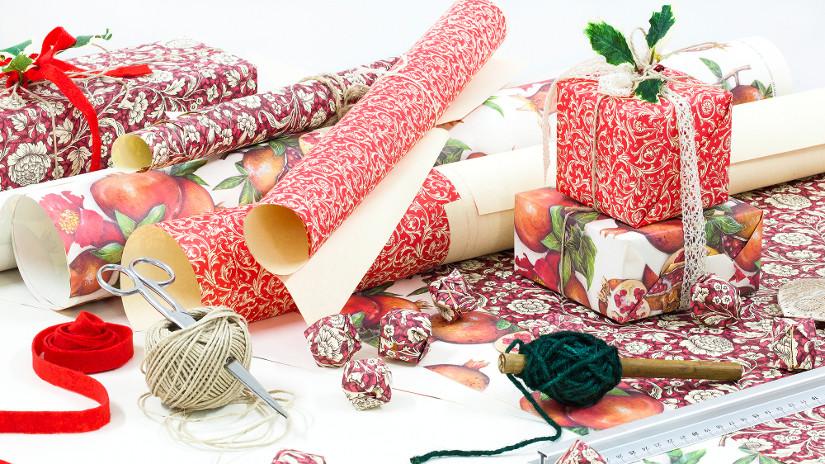 Jak zapakować prezent ślubny?