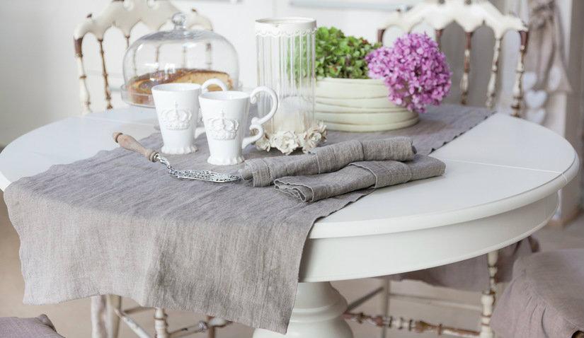 elegancki stół na jednej nodze
