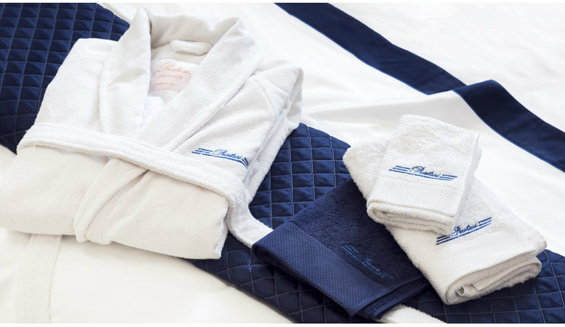 kolorowe ręczniki z haftem