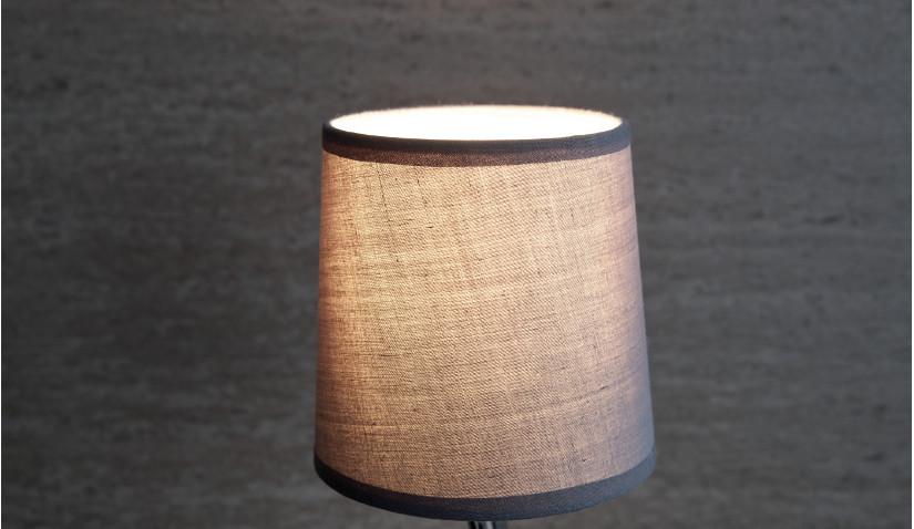Lekkie lampy z drewna