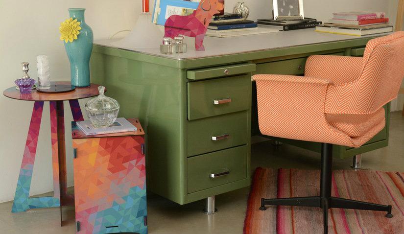 kolorowy wizytownik na biurko