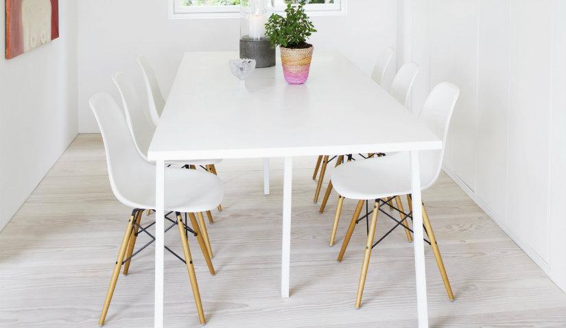 Naturalna podłoga w stylu skandynawskim w kuchni