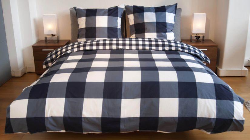 sypialnia biało niebieska