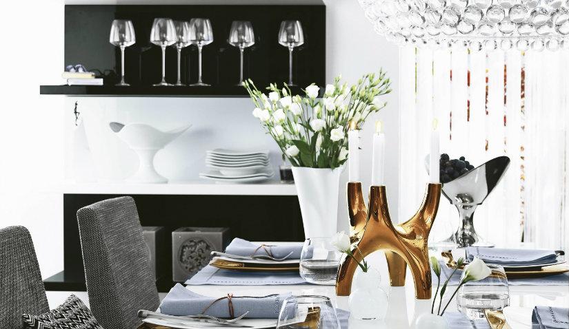 Czarne meble kuchenne w białej aranżacji