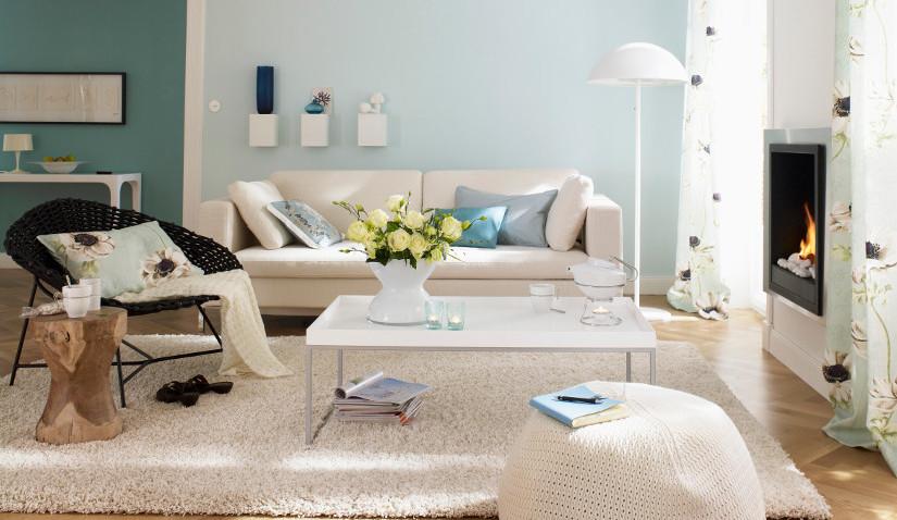 Biały stolik kawowy w stylu skandynawskim