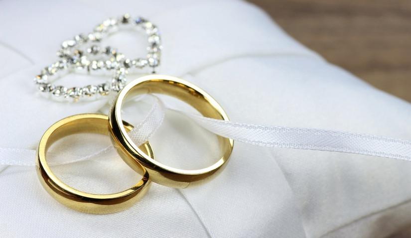 Piękne złote pierścionki