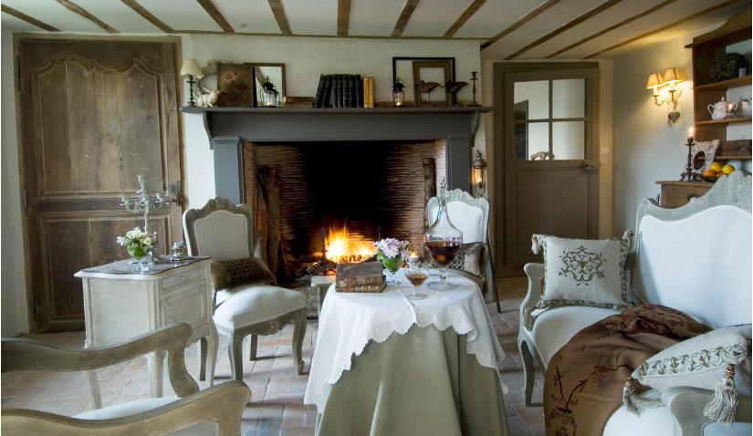 Salon w stylu rustykalnym w drewnie
