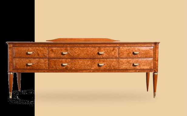 Large collection de mobilier ancien