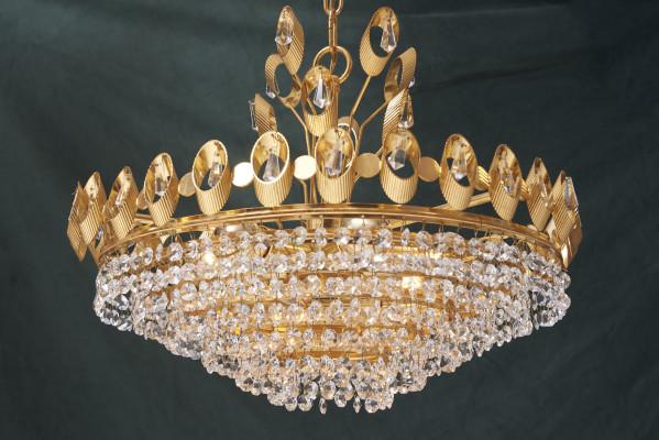 Élégant lustre avec cristaux sur structure en laiton conçu par palme & walter pour palwa, allemagne, années 1960.