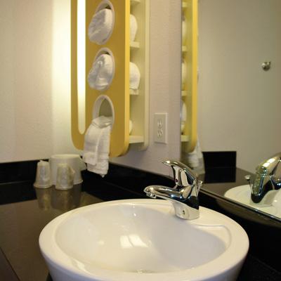 motel 6 bathroom