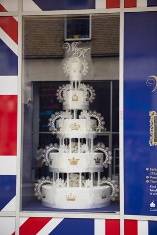 W and K 6ft wedding cake