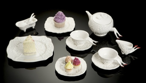 Undergrowth Design Blaue Blune tea set