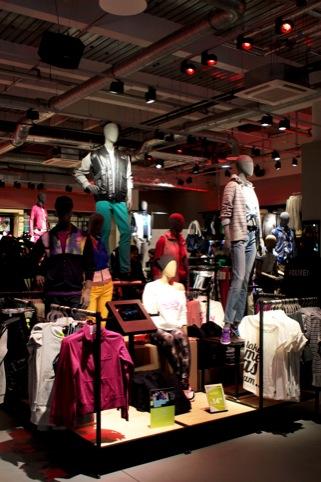 Adidas NEO store