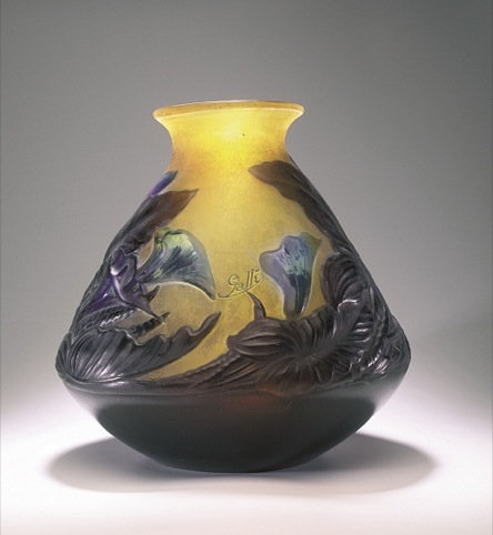 Emile Gallé Vase 'blow-out' cameo glass, c.1920