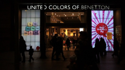 Valentine's display for Benetton's Barcelona window by Ben Findlay