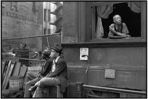 Henri Cartier-Bresson Harlem, New York, 1947 Gelatin silver print / printed 1970s
