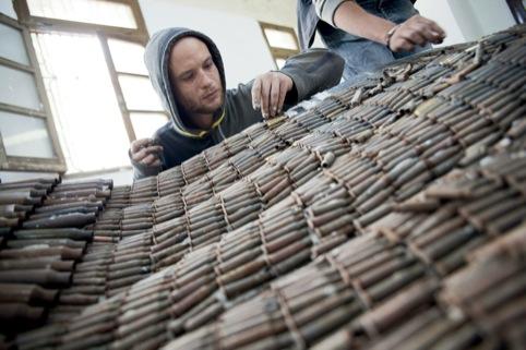 Fabrica's Erik Ravelo making the Unhate Dove in Tripoli, Libya