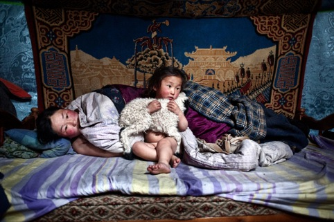 Alessandro Grassani, Environmental migrants the last illusion, Ulaan Baator, Mongolia, 2011