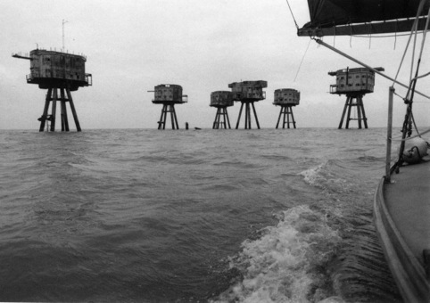 From the film Thames by William Raban