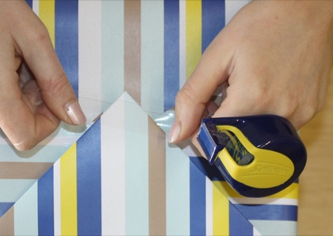 Sellotape On-Hand has been desigend by Factorydesign
