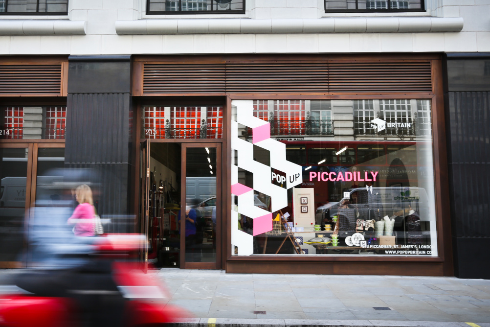 External PopUp Piccadilly vinyl designed by Iris