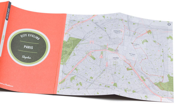 Paris guide with map
