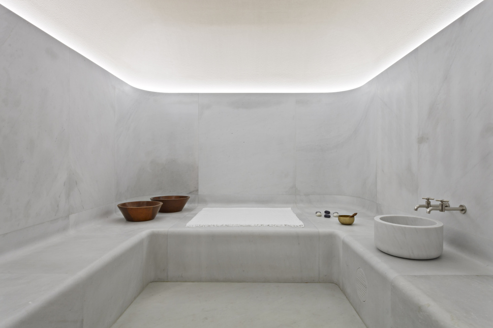 Sir david chipperfield designs spa for cafe royal hotel for Design hotel few steps from the david