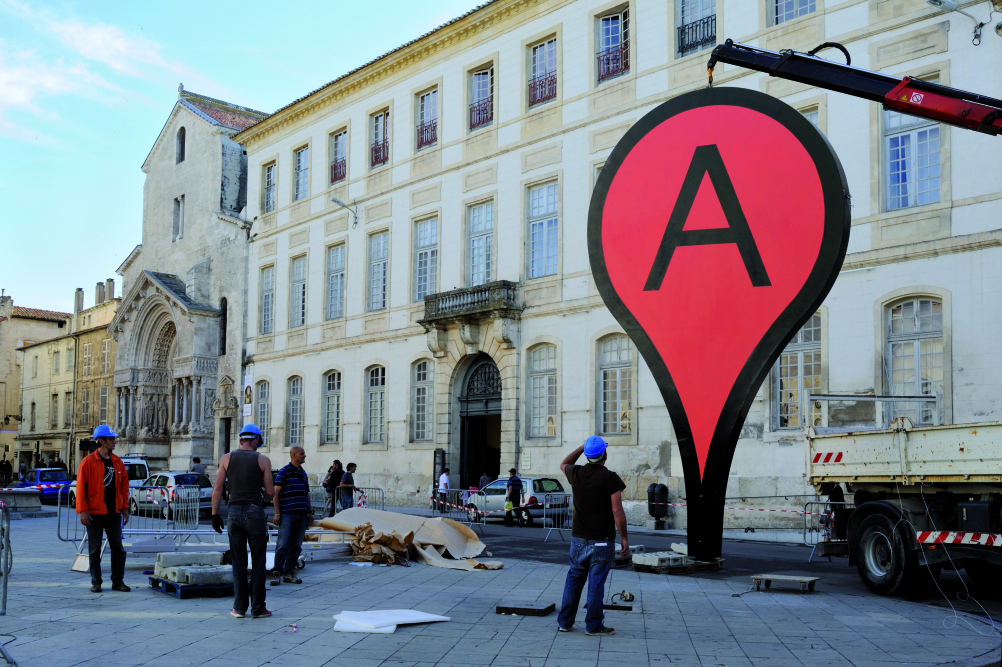 Aram Bartholl - Map 'Recontre Arles From Here On'  Anne Foures