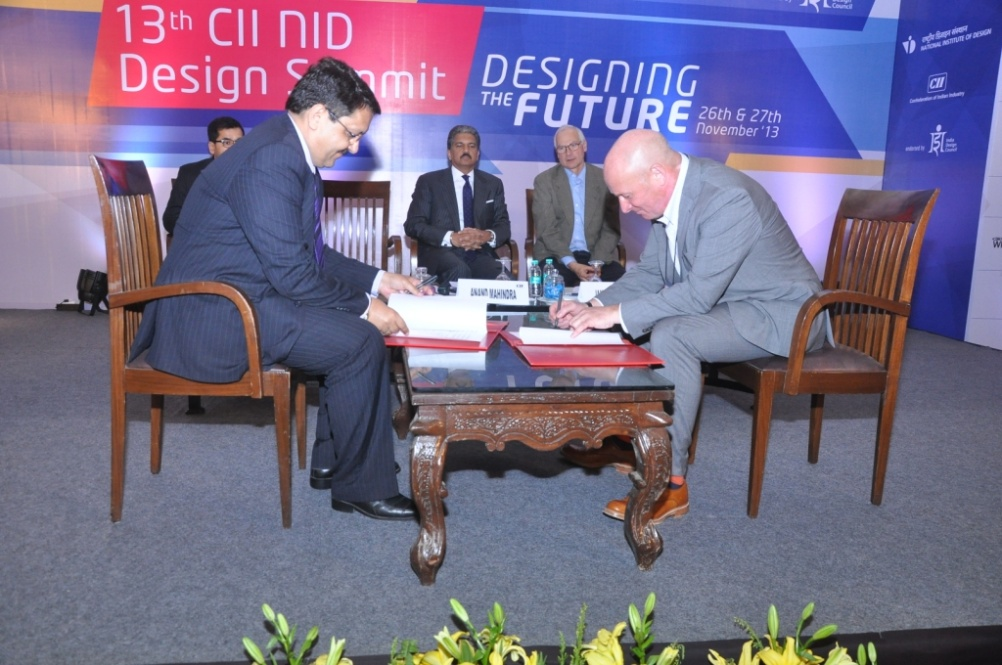 IDC member secretary Pradyumna Vyas and Design Council chief executive John Mathers sign a Memorandum of Understanding