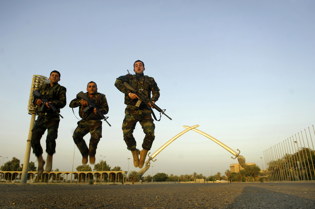 Jamal Penjweny, Iraq is flying, Photographs, 2006-10