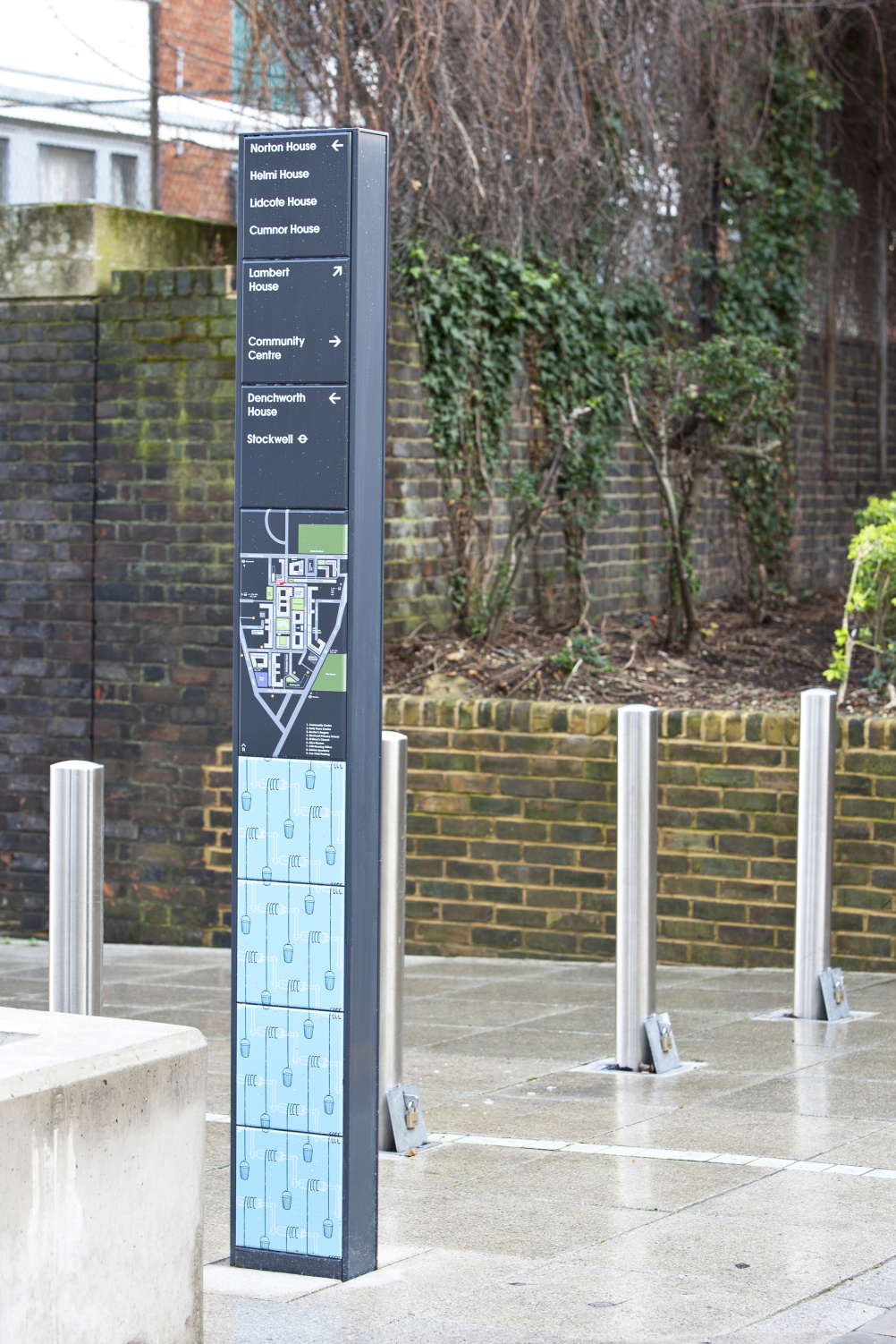 Hat-Trick Design wayfinding for Stockwell Park Estate Development