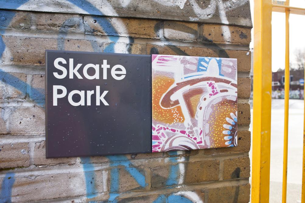 Hat-Trick Design wayfinding for Stockwell Park Estate Development