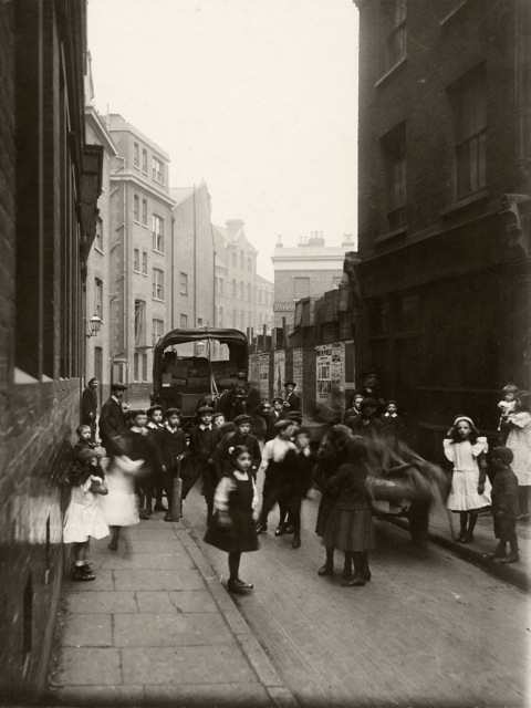 Bell Lane, towards Crispin Street