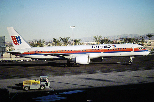 United Airlines plane with Saul Bass tulip logo