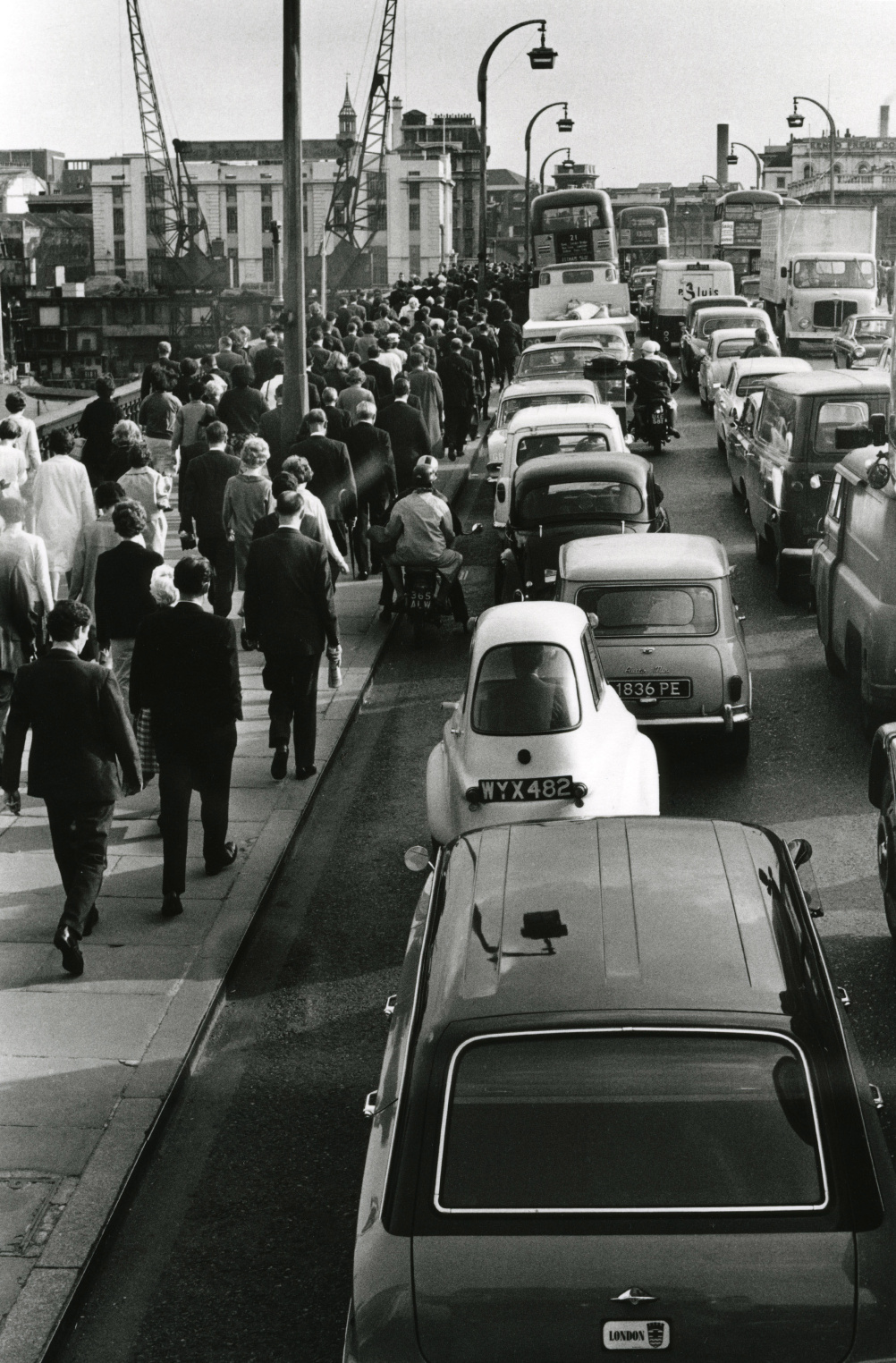 Roger Mayne - Waterloo Bridge during the morning rush hour